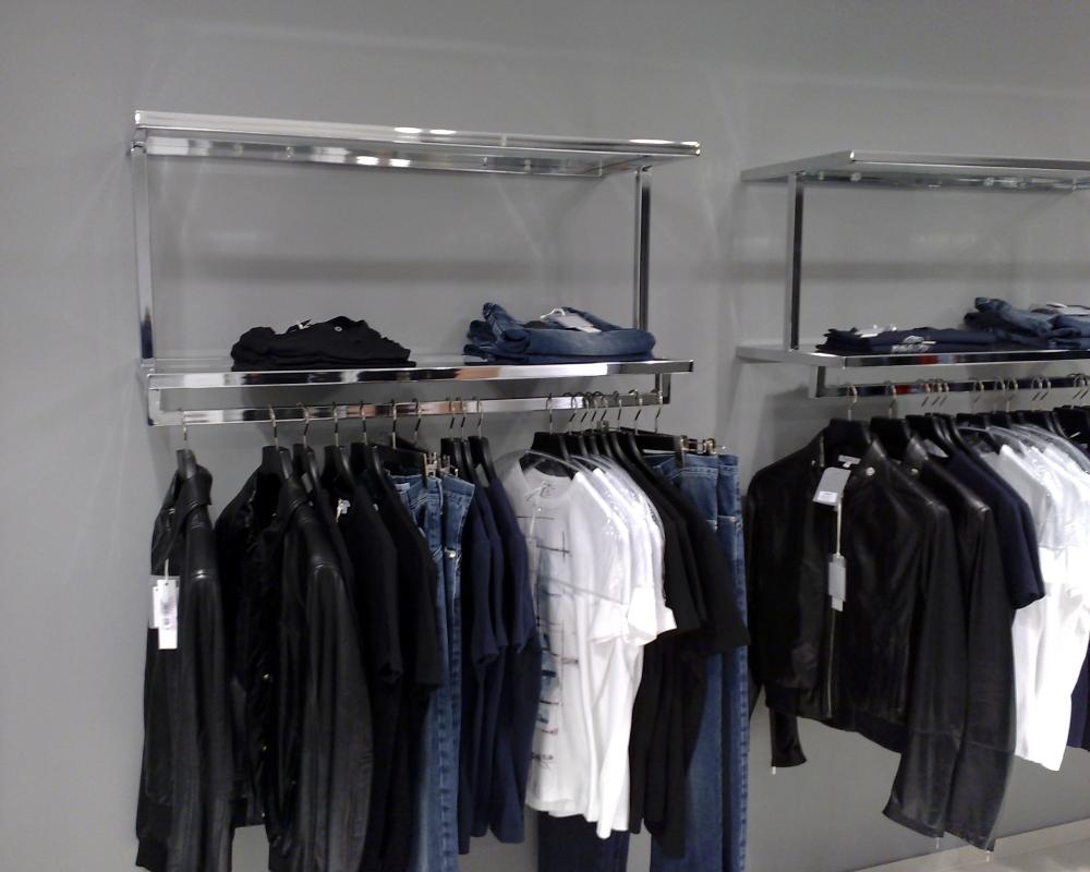 3265 arredamento negozi abbigliamento stender arredamento for Arredamento negozi