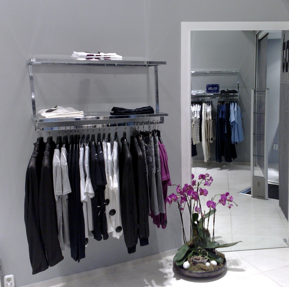 Ricerca foto 018 stender a muro 016ch for Arredamento negozi