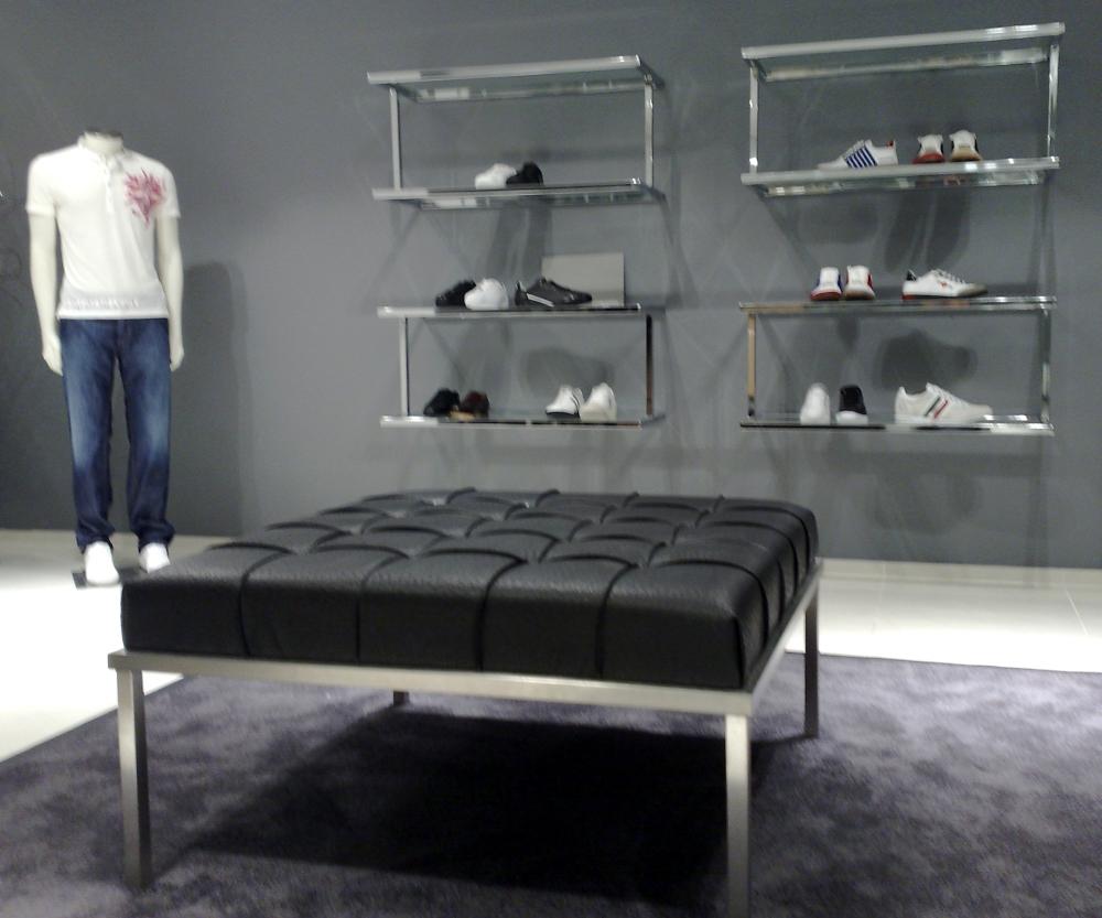 centromanichini art.012_stender_a_muro_cub100ch - Arredamento Negozio Abbigliamento Fai Da Te