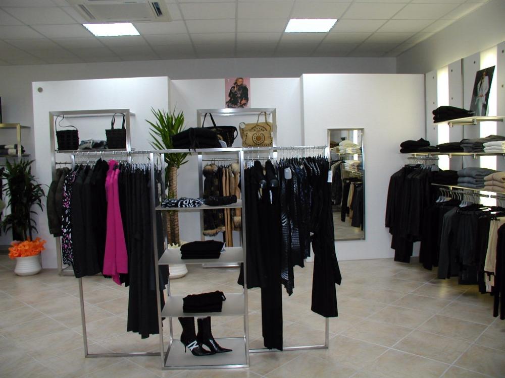 3284 abbigliamento arredamento appenderia gancio colonna for Specchio woman abbigliamento