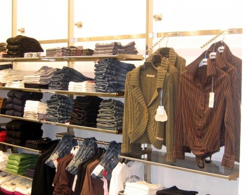 3038 arredamento negozi abbigliamento appendiabiti gancio for Arredamento per negozi abbigliamento
