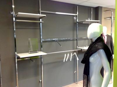 3159 manichino donna espositori arredamento negozi di - Scaffali per cabine armadio ...
