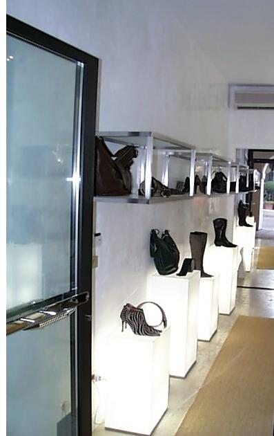 3286 arredamento calzature pelletteria display cubi for Cubi arredo