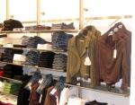 3038 arredamento negozi abbigliamento appendiabiti gancio alluminio struttura ripiani espositore