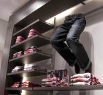 3243 arredamento display gambe uomo