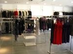 3290 arredamento negozi abbigliamento appenderia colonna ripiani struttura espositori