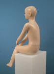 867 realistico manichino bambino seduto