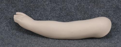 001 BRACCIO 47B - Braccio usato con mano da bambino