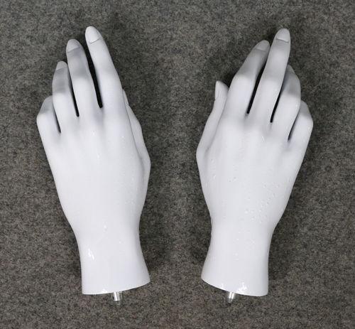 001 COPPIA MANI USATE 1D - Coppia mani usate da donna