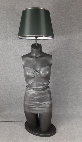 001 LAMPADA CORPO DONNA BUSTO 28BST - Lampada busto a forma di donna con paralume