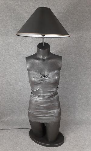 001 LAMPADA CORPO DONNA BUSTO 32BST - Lampada busto a forma di donna con paralume