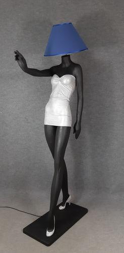 001 LAMPADA CORPO DONNA LADY 8M - Lampada a forma di donna con paralume