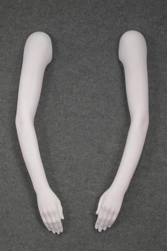 011 BRACCIA DDT - Coppia di braccia diritte da donna da tagliare