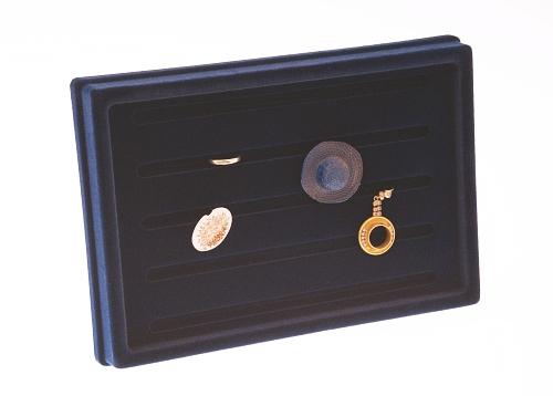 015 112 ESPOSITORE PUCCY GRANDE BOX - Confezione espositore puccy grande per anelli in plastica floccato 6pz.