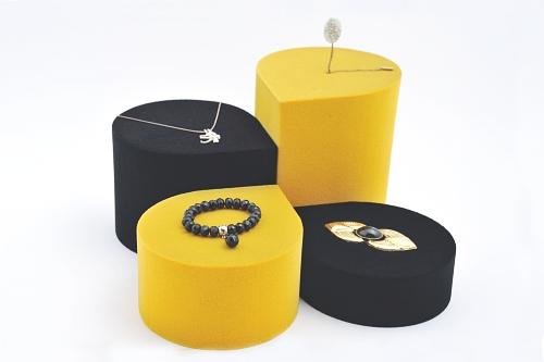 015 133 ESPOSITORE GOCCIA BOX - Confezione espositore goccia in poliuretano floccato 8pz.
