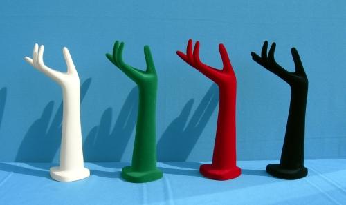 015 148 MANO DONNA FLOCCATA - Confezione mano per bigiotteria in plastica floccata 24pz.