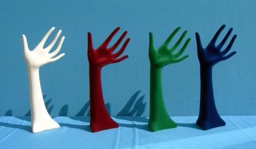 015 14 MANO DONNA FLOCCATA - Confezione mano per bigiotteria in plastica floccata 30pz.