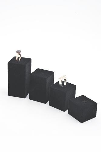 015 61 SERIE ESPOSITORE BOX - Confezione serie espositore in poliuretano per anelli floccato 18pz.