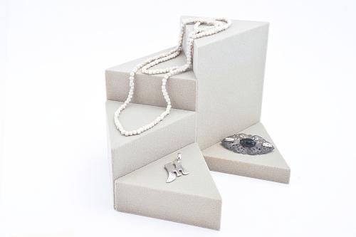 015 69 ESPOSITORE TRIANGOLARE BOX - Confezione espositore componibile triangolare in poliuretano floccato 12pz.