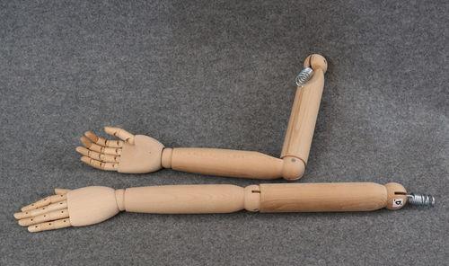 025 COPPIA BRACCIA LEGNO DONNA - Coppia di braccia di legno da donna con mani