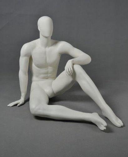 025 MANICHINO DAX4 - Manichino seduto stilizzato uomo