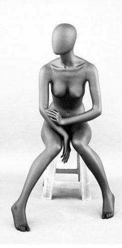 025 MANICHINO DEG P 09 - manichino seduto stilizzato per abbigliamento da donna