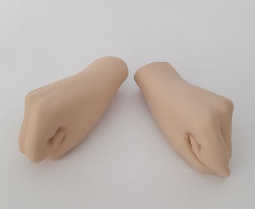 034 COPPIA MANI LIFE D5 - Coppia di mani da donna in fibra di vetro