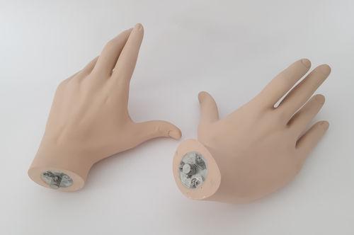 034 COPPIA MANI LIFE U3 - Coppia di mani da uomo in fibra di vetro