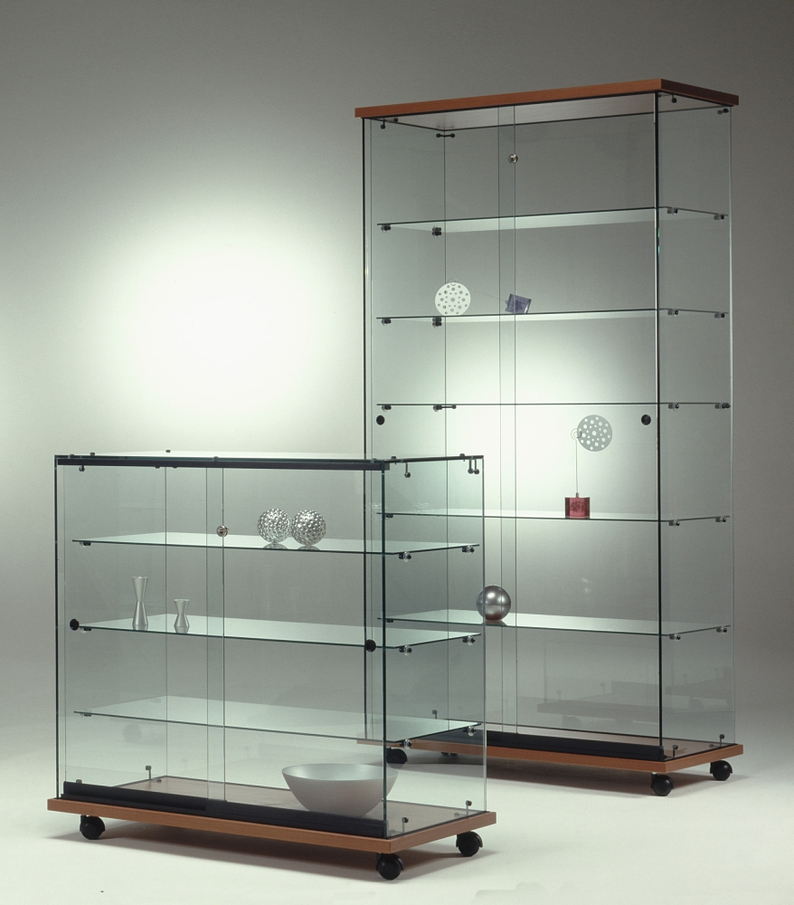 Casa immobiliare accessori vetrine in vetro for Vitrine ikea klingsbo