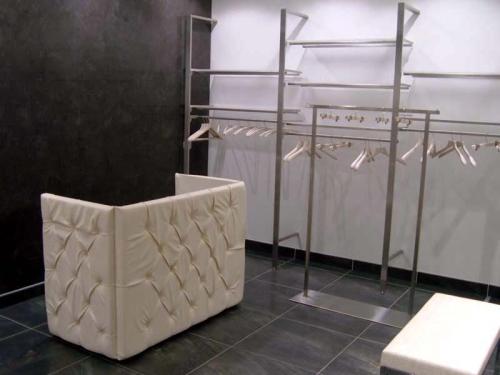 Arredamento negozi abbigliamento stender banco vendita