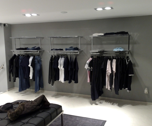 0366 arredamento abbigliamento espositore for Arredi per negozi abbigliamento