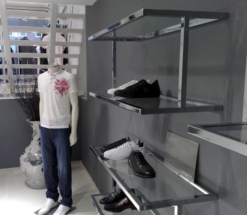 Foto m 0371 espositore arredamento negozi calzature for Plexiglass arredamento