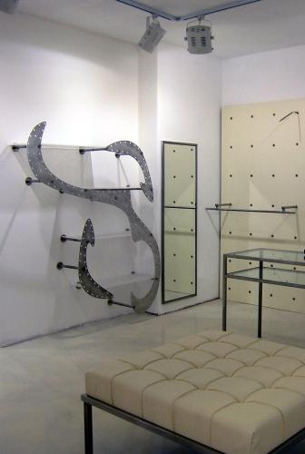 Foto m 0419 arredamento negozi appenderia espositore alluminio spazzolato display specchio - Alluminio lucidato a specchio ...