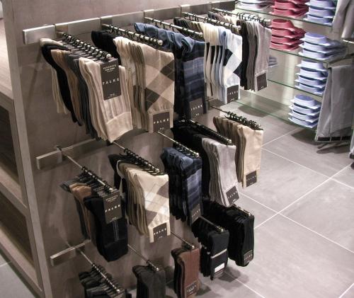 Negozi arredamento gallarate arredamenti per negozi e for Mobilifici genova
