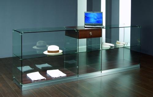 0619 vetrine espositori vetro ripiani con cassetto serratura for Vetrine in cristallo arredamento
