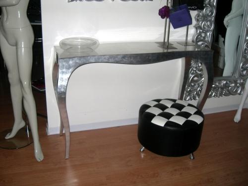 0882 arredamento per negozi abbigliamento tavolo argentato for Negozi arredamento on line