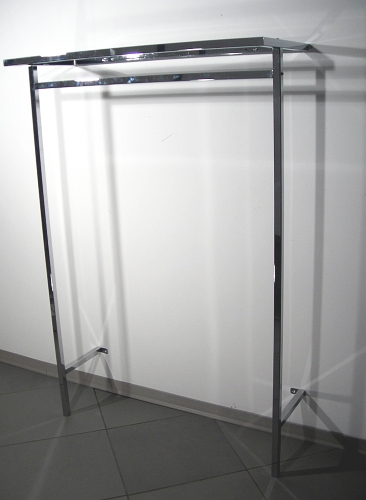 5452 espositore arredamento negozi display per abbigliamento for Arredamento per negozi abbigliamento