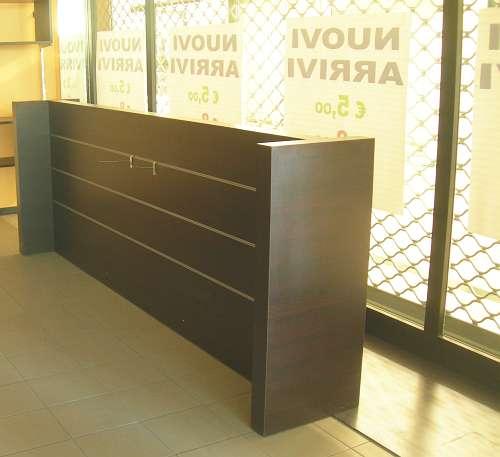 7208 arredamento negozio usato elemento gondola maxi per for Arredamento per ufficio usato