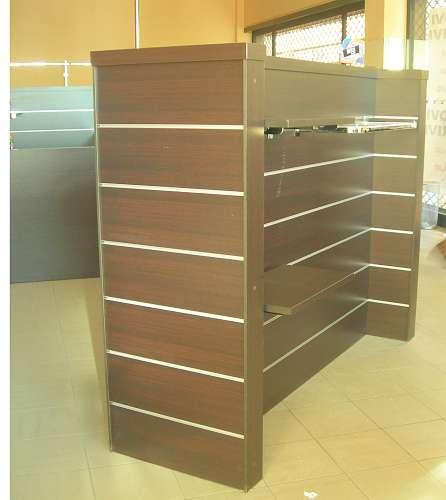 7220 arredamento negozio usato maxi gondola for Arredamento estetista usato